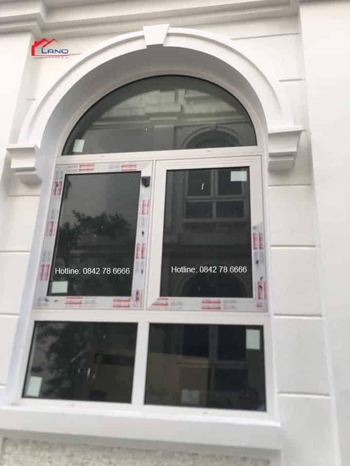 Mẫu cửa sổ mở quay 2 cánh uốn vòm
