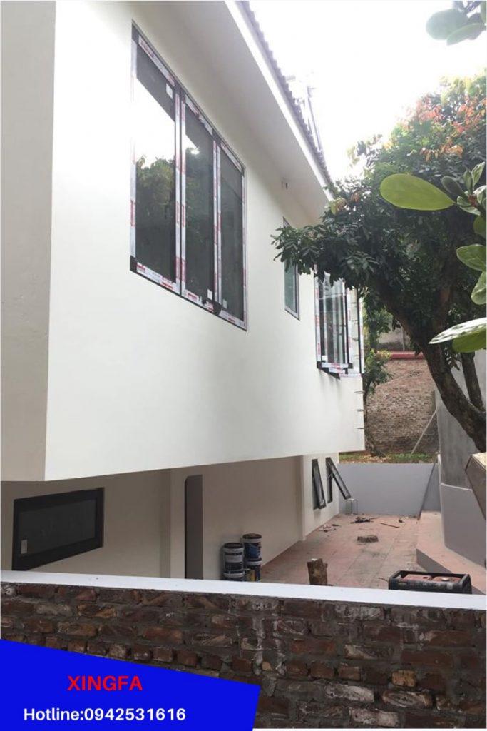 Các bộ cửa phía bên trong sử dụng nhôm Xingfa Màu Nâu cafe