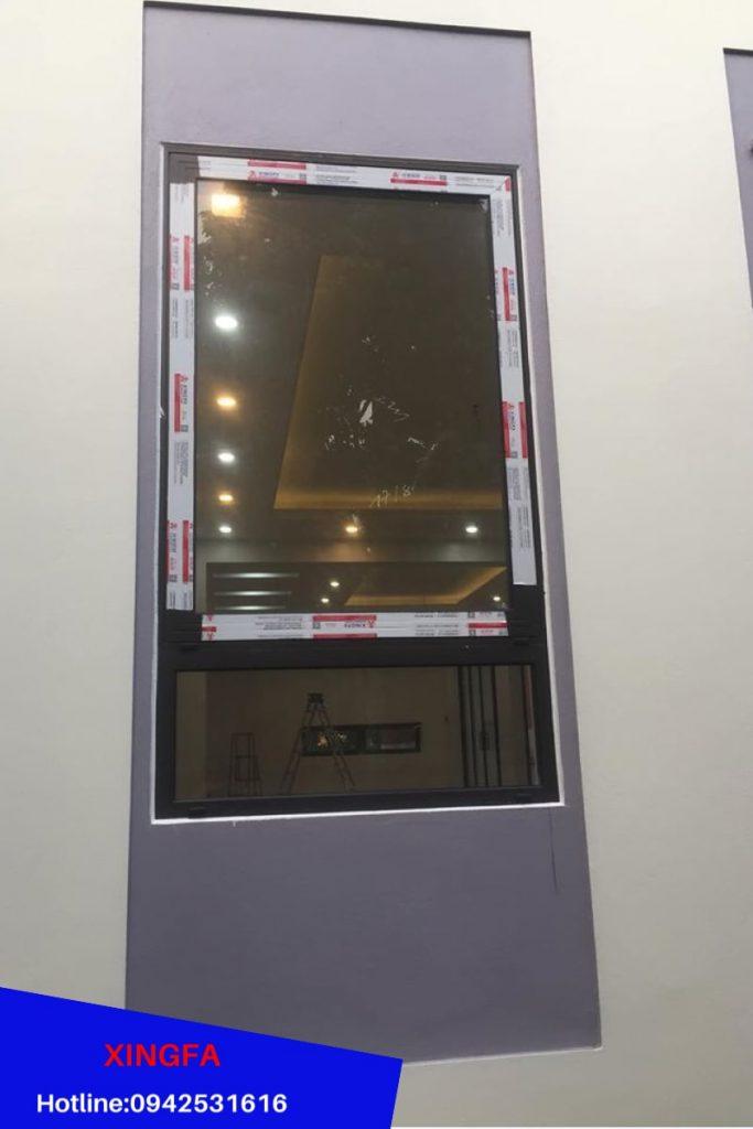 Cửa sổ mở hất 1 cánh Nhôm Xingfa tem đỏ nhập khẩu Quảng Đông