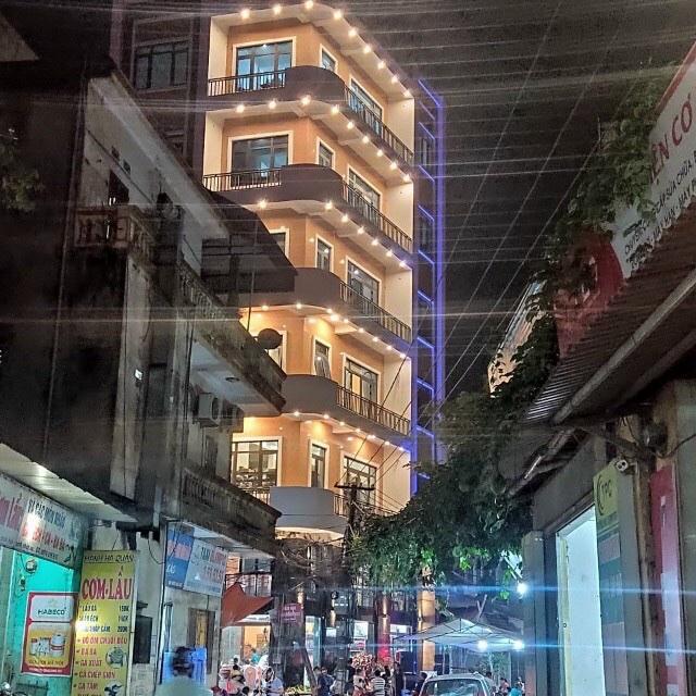 Lắp đặt cửa nhôm xingfa tem đỏ tại Hưng yên