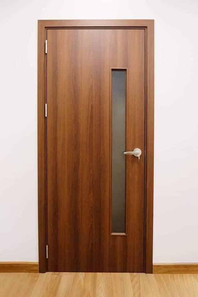 Mẫu cửa gỗ nhựa composite có ô kính